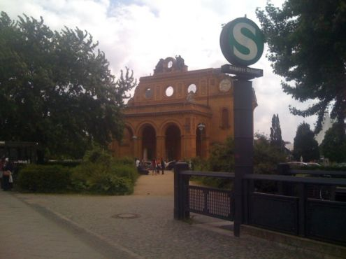 07-06-2010  the WWII ruins of the Anhalter Bahnhof in Berlin