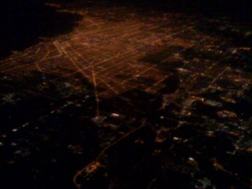 30-01-2010  The City of Chicago by night 10:00 pm local time. Top left is Lake Michigan. Taken from 33.000 feet high.